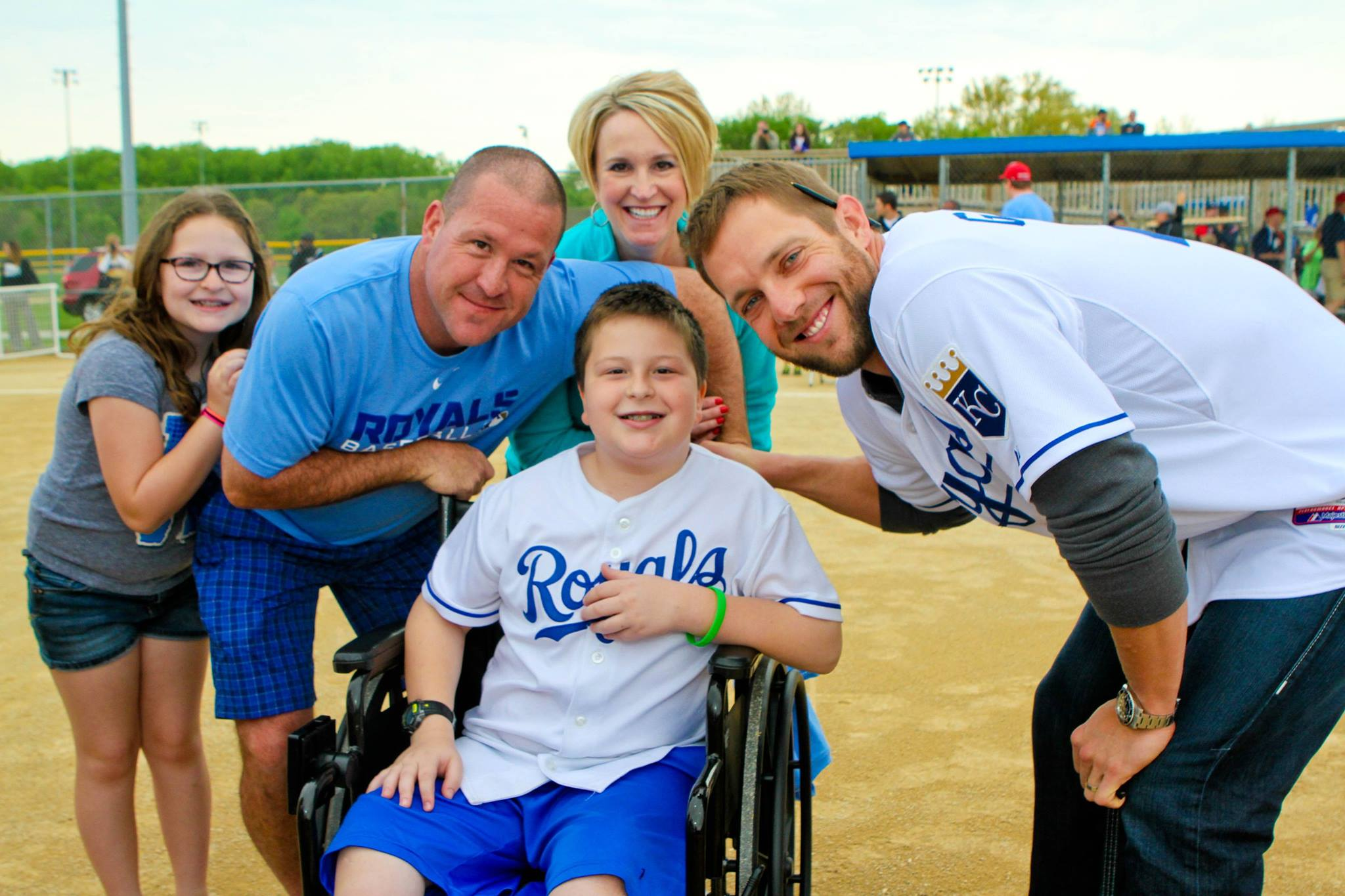 Alex Gordon with a childhood cancer hero