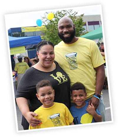 A family of ALSF supporters at a lemonade stand event