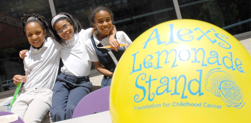 Children at a lemonade stand for ALSF