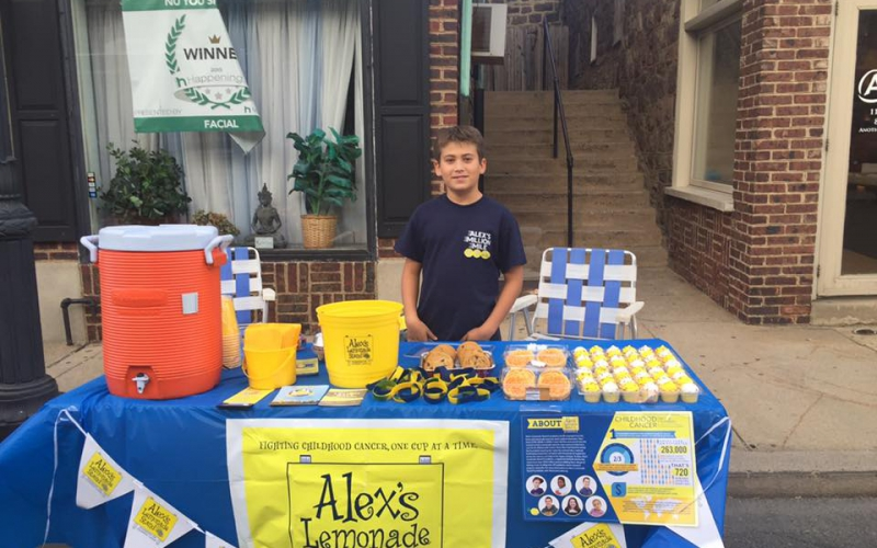 It's not too late--you can put together a lemonade stand quickly with these great Pop Up Lemonade Stand Tips!