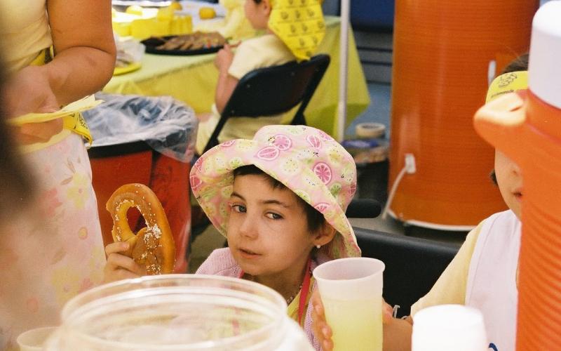 alsf founder alex scott at her lemonade stand