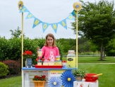 Kids across the country host fundraisers during the first week in June for Lemonade Days, but you can run a lemonade stand any time of year. Here are some of our craftiest tips and ideas for making your DIY lemonade stand extra-successful!